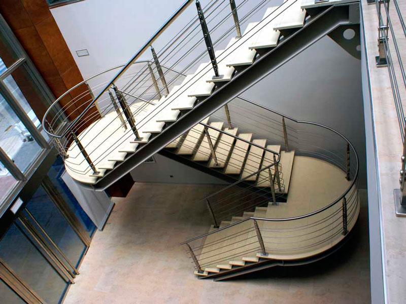 Escalera acero centro comercial