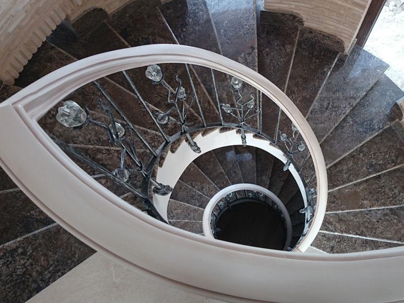 Escalera de cristal. escalera lujosa