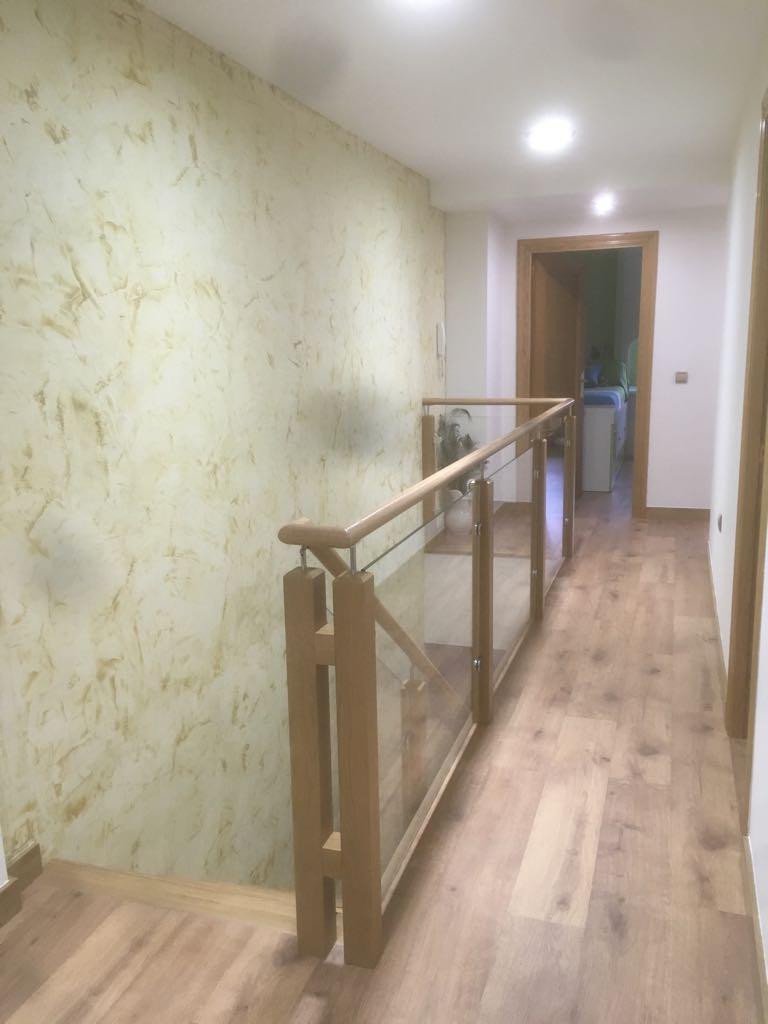 Escalera madera cristal y acero inox en yecla muprogest - Escaleras de cristal y madera ...