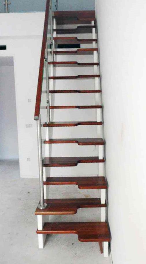 escalera peldaño japones madera y acero