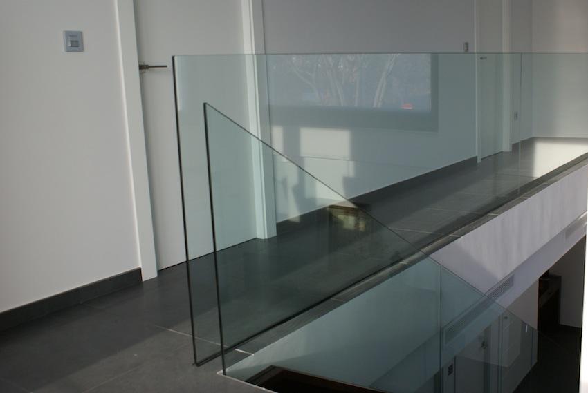 barandilla cristal. Diseño moderno