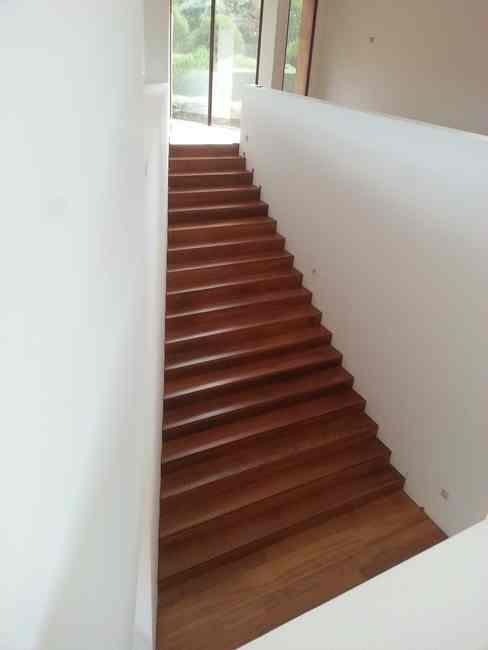 escaleras revistidas de madera